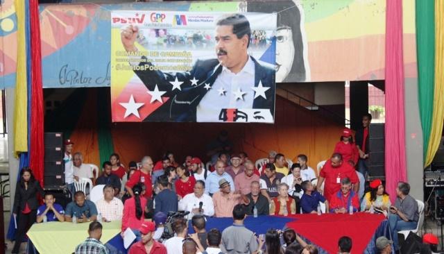 03 04 2018 EM Comando de Campaña Universitario del Zulia con Maduro (7)