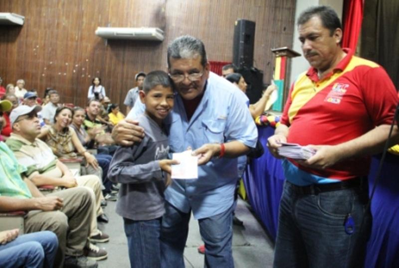 400-personas-son-beneficiarias-de-las-ayudas-economicas-que-entrega-la-municipalidad-valerana