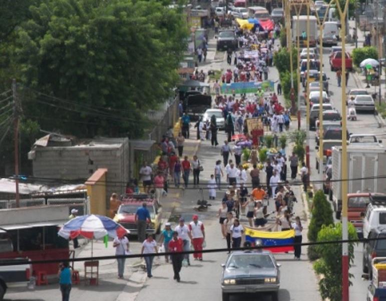 grafica-1-desfile-del-barrio-el-milagro