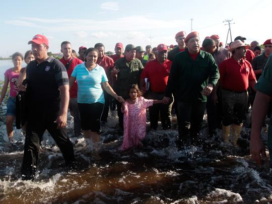 presidente-hugo-chavez-recorre-el-estado-zulia