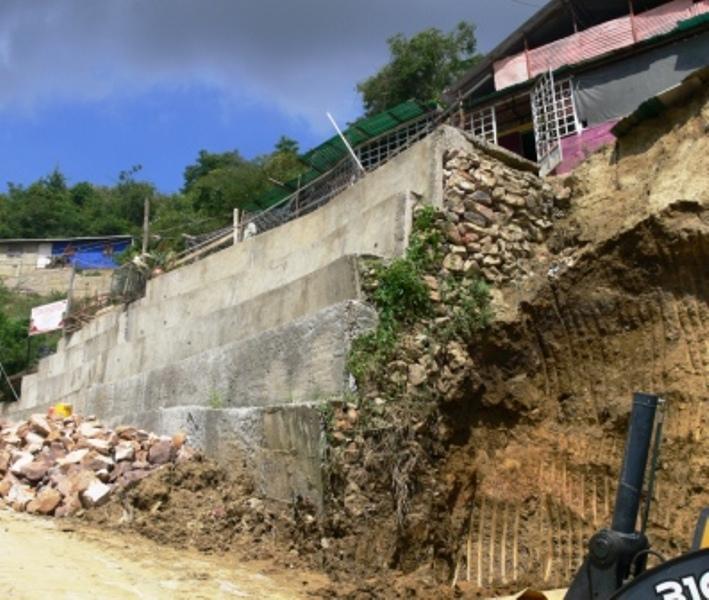 Alcald a de valera construye varios muros de contenci n - Muros de contencion de piedra ...